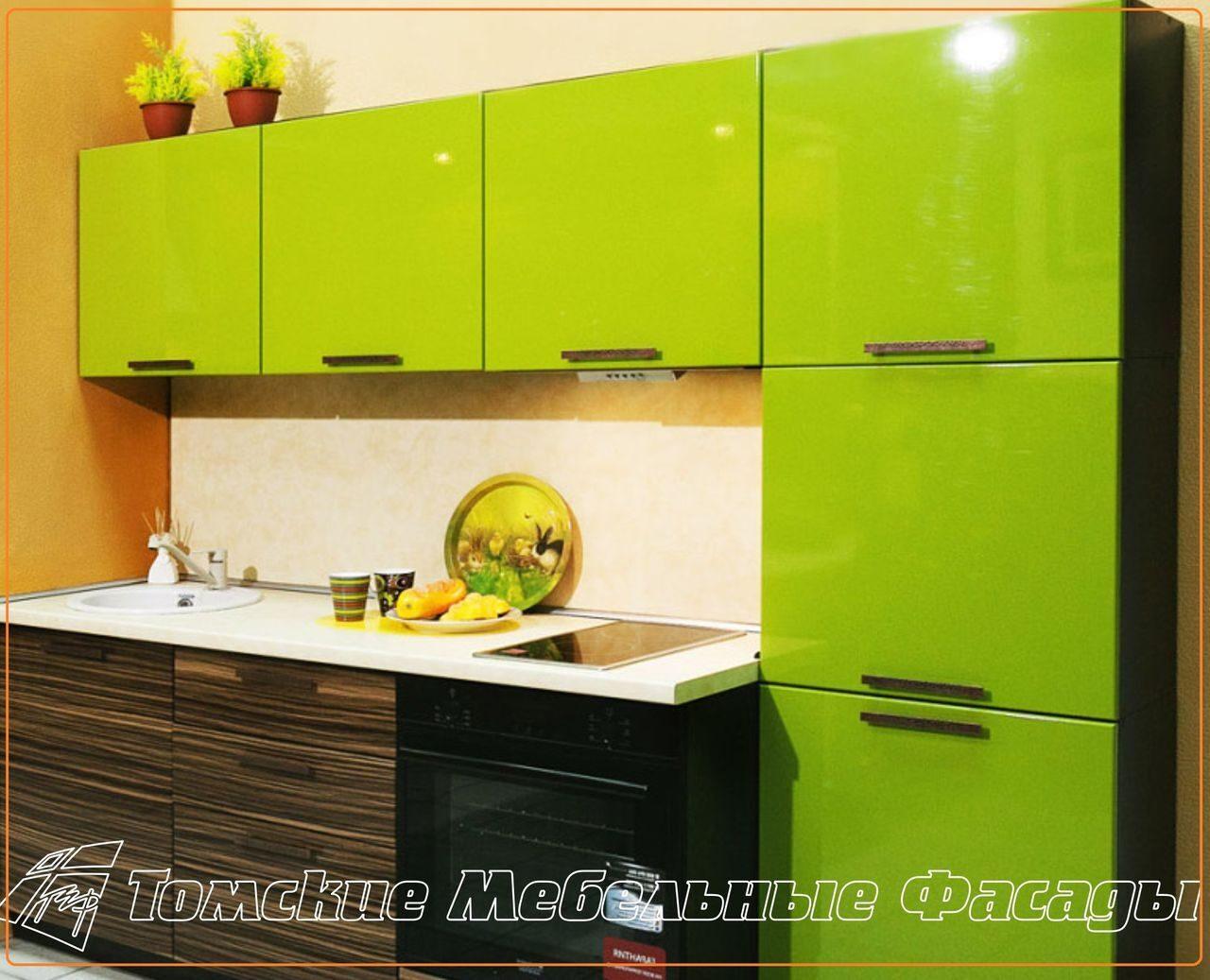 кухня с салатовой мебелью фото